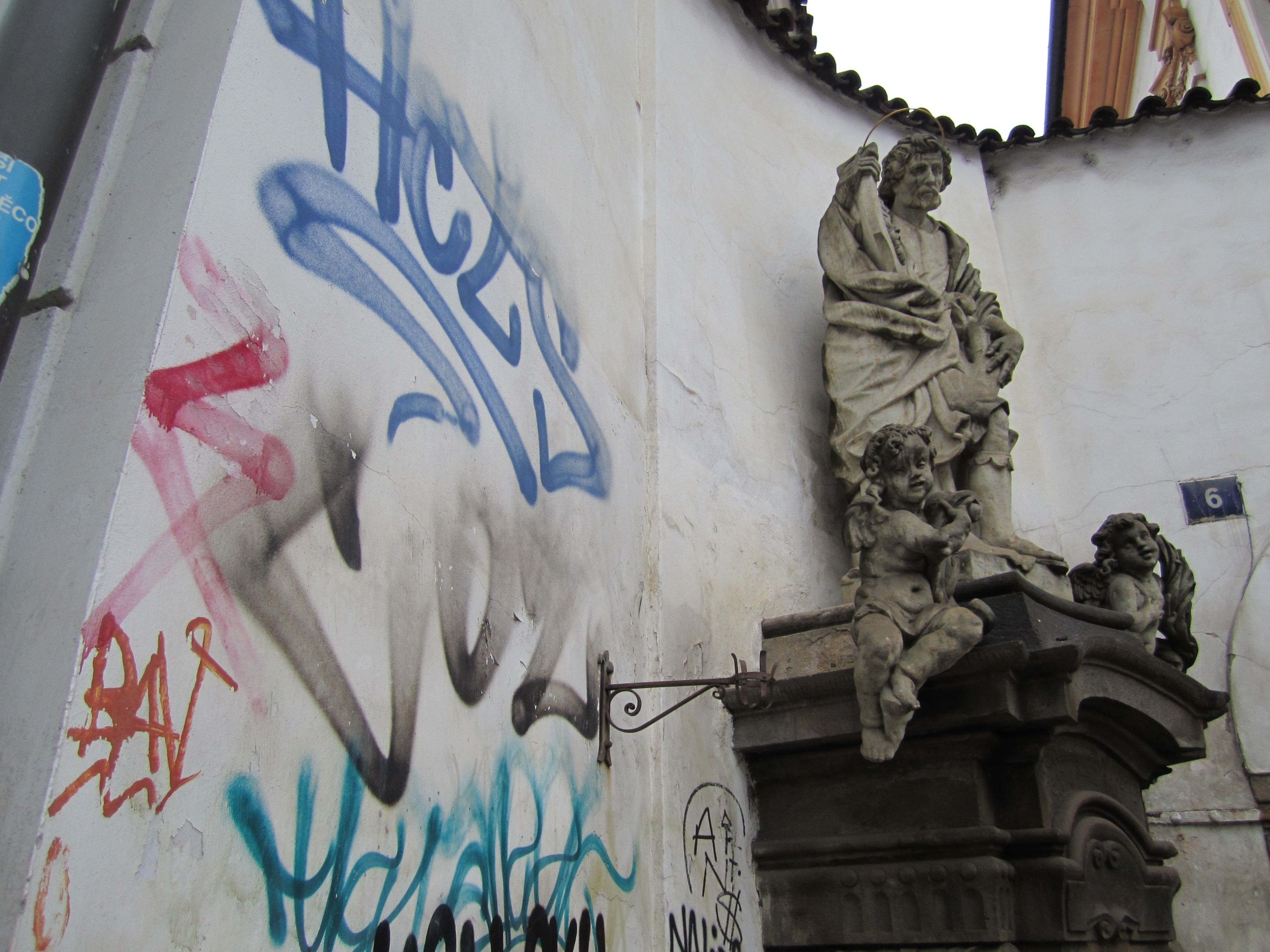 Prague Blague #1 – Welcome to Praha: Tardiness, Apologies, NotHammer, & Beer Factory